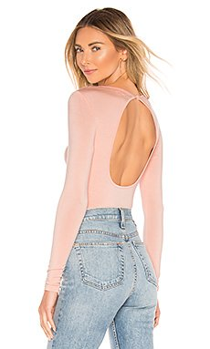 Christy Open Back Top                     superdown