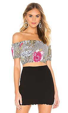 Carrie Crop Top                     superdown