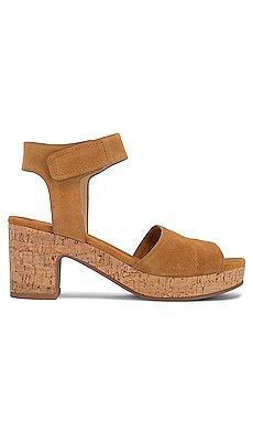 Thatcher Sandal                     Splendid