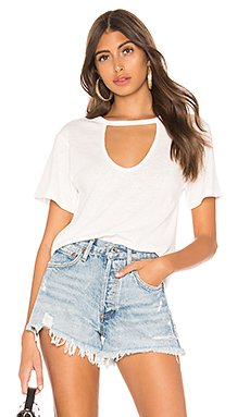 Chaira Cut Out Tee                     superdown