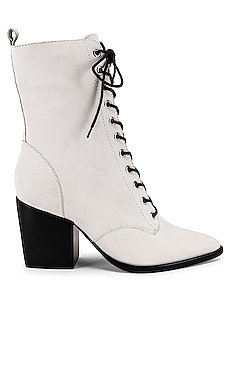 Lace Up Boot                     Schutz