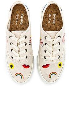 Embroidered Porto Sneaker                     Soludos