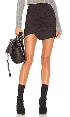 Saira Faux Suede Mini Skirt                     superdown