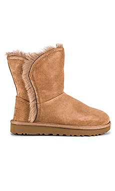 Classic Short Fluff High Low Boot                     UGG