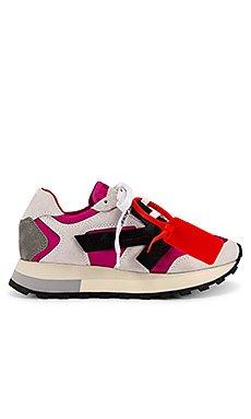 HG Runner Sneaker                     OFF-WHITE