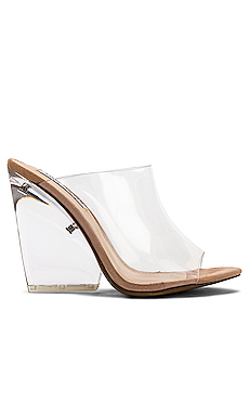 Evolve Wedge                     Steve Madden