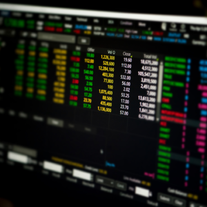 stock_trading_computer_1280x720
