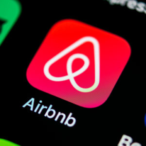 Airbnb IPO : Don't Believe the Hype?