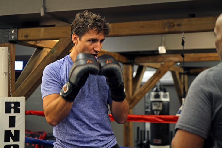 justin trudeau boxes against opponent