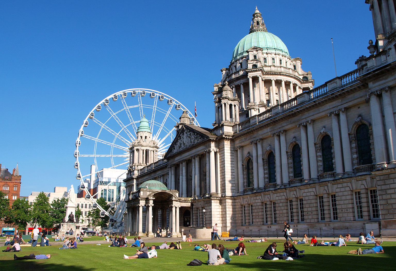 Photograph of Belfast City Hall by Iker Merodio