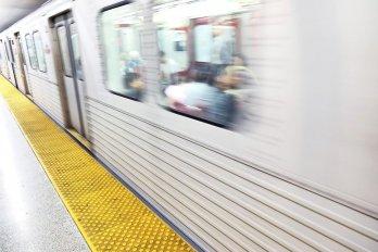 subway at subway platform