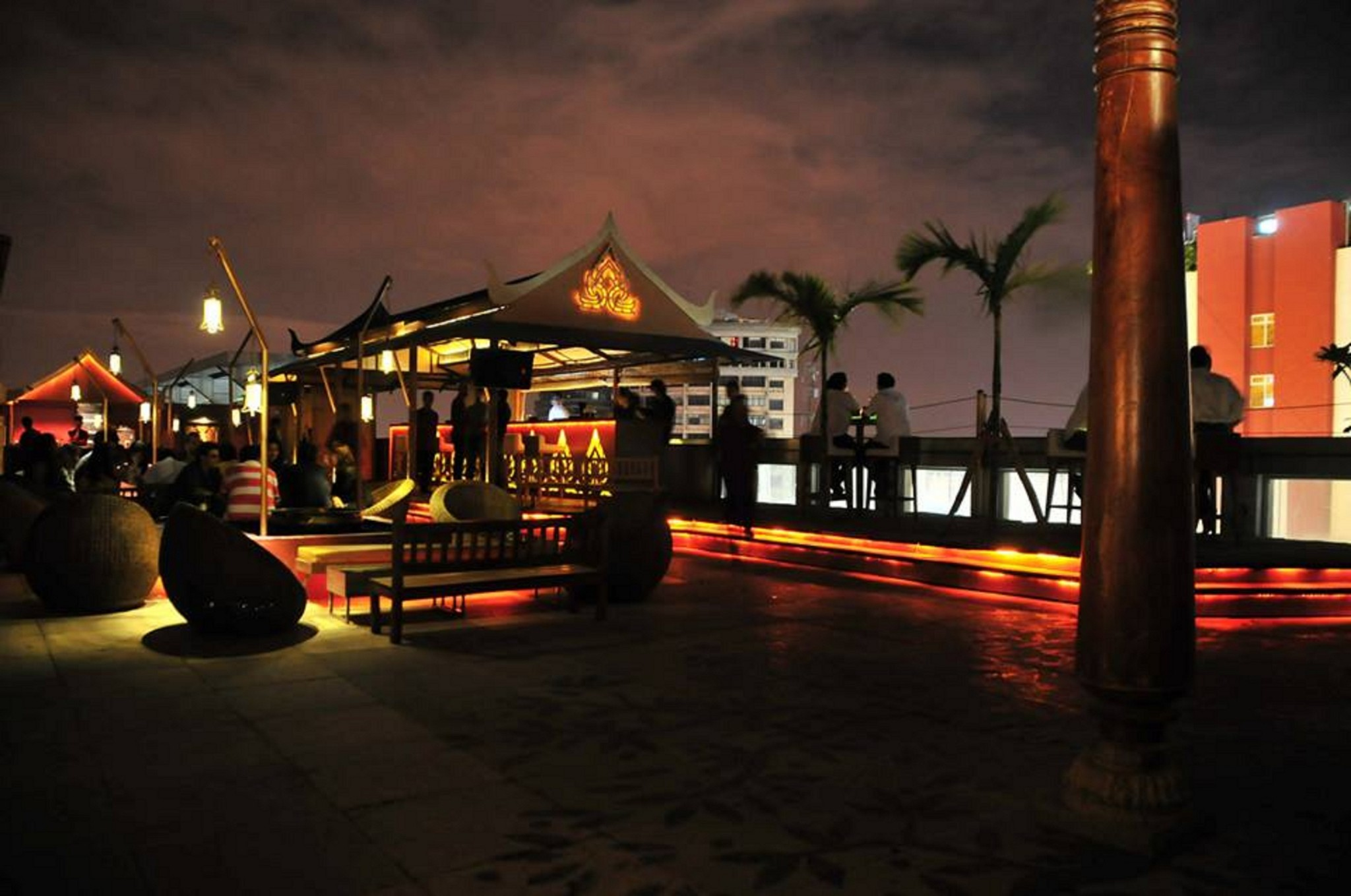 Most romantic restaurants around the world top 12 for Terrace restaurants in bangalore