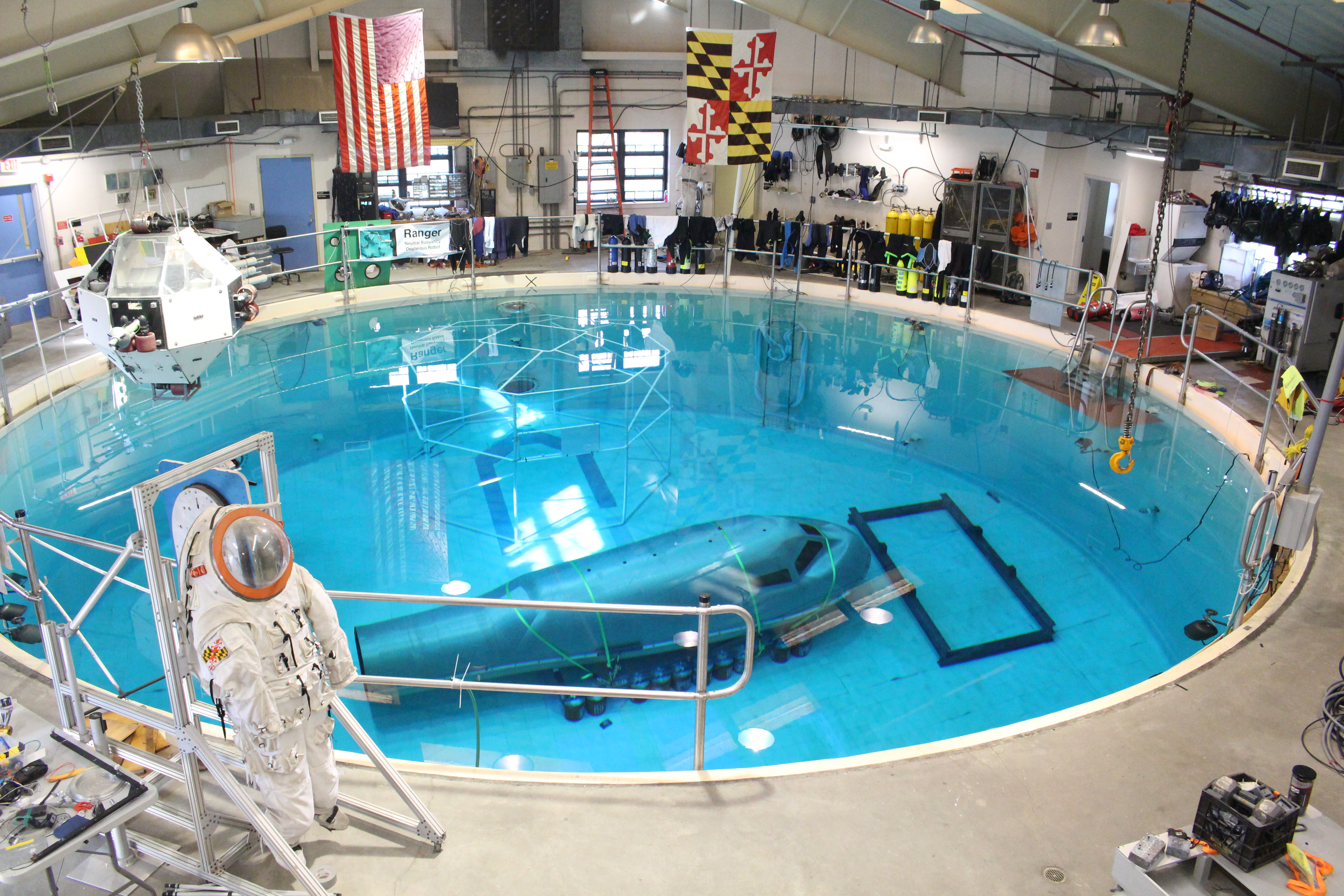 Umd Has A Pool That Simulates The Weightlessness Of Space It S One Of 6 In The World The