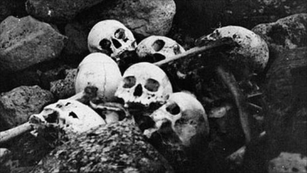 _55249067_skulls