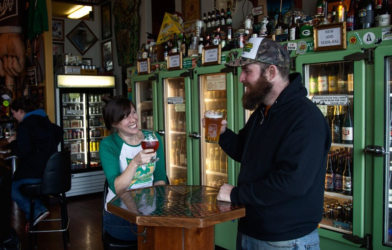 Saraveza, Beloved Wisconsin-Themed Beer Bar, To Close for Renovations