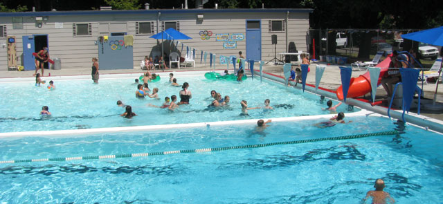 Portland s outdoor public pools open next week we ranked all of them willamette week for Public swimming pools portland or