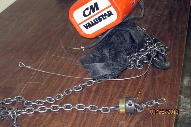 lot 97 cm valustar electric chain hoist 1 2 ton hoist wirebids on Budgit Hoist Wiring Diagram for cm valustar electric chain hoist 1 2 ton hoist at Coffing 1 2 Ton Hoist Parts Diagram