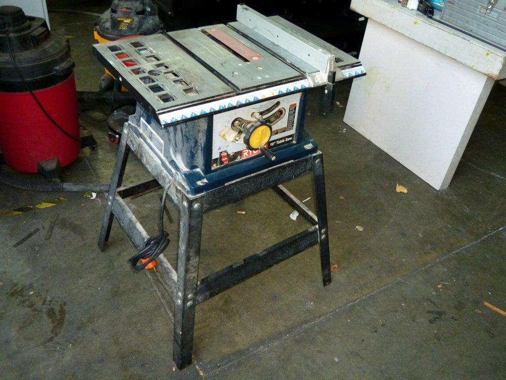Lot 37 ryobi bts 10 table saw wirebids for 10 inch ryobi table saw