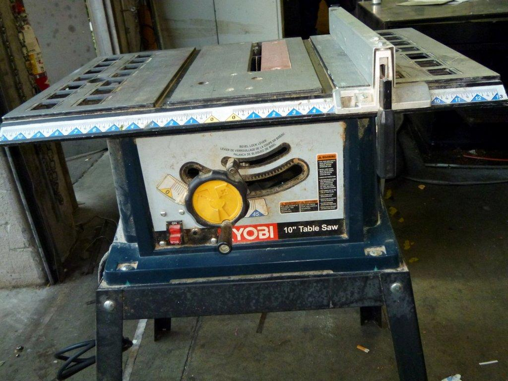 Lot 37 Ryobi Bts 10 Table Saw Wirebids