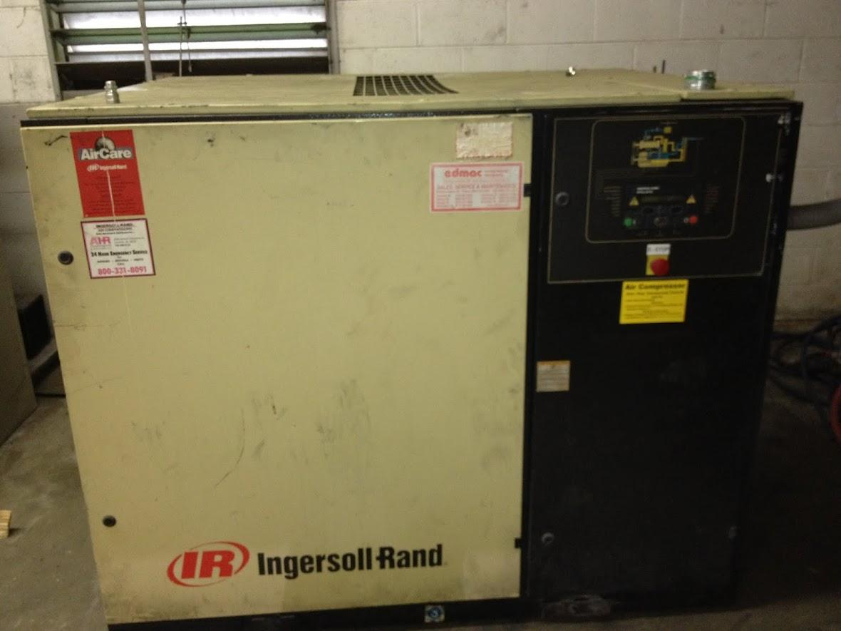 Lot 13 Ingersoll Rand 50 Hp Rotary Screw Air Compressor