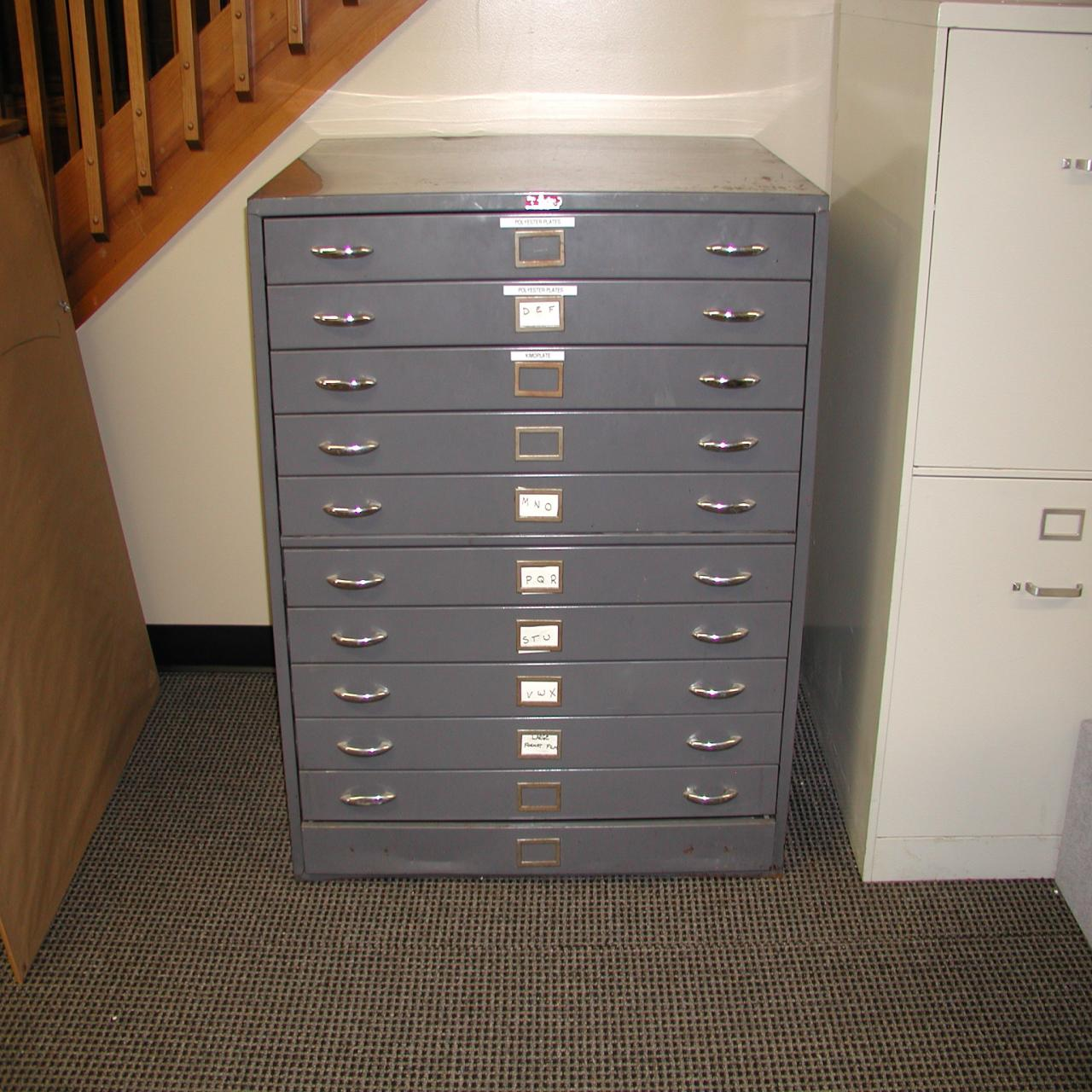 l for htm gray flat in cabinet file safco low closed base