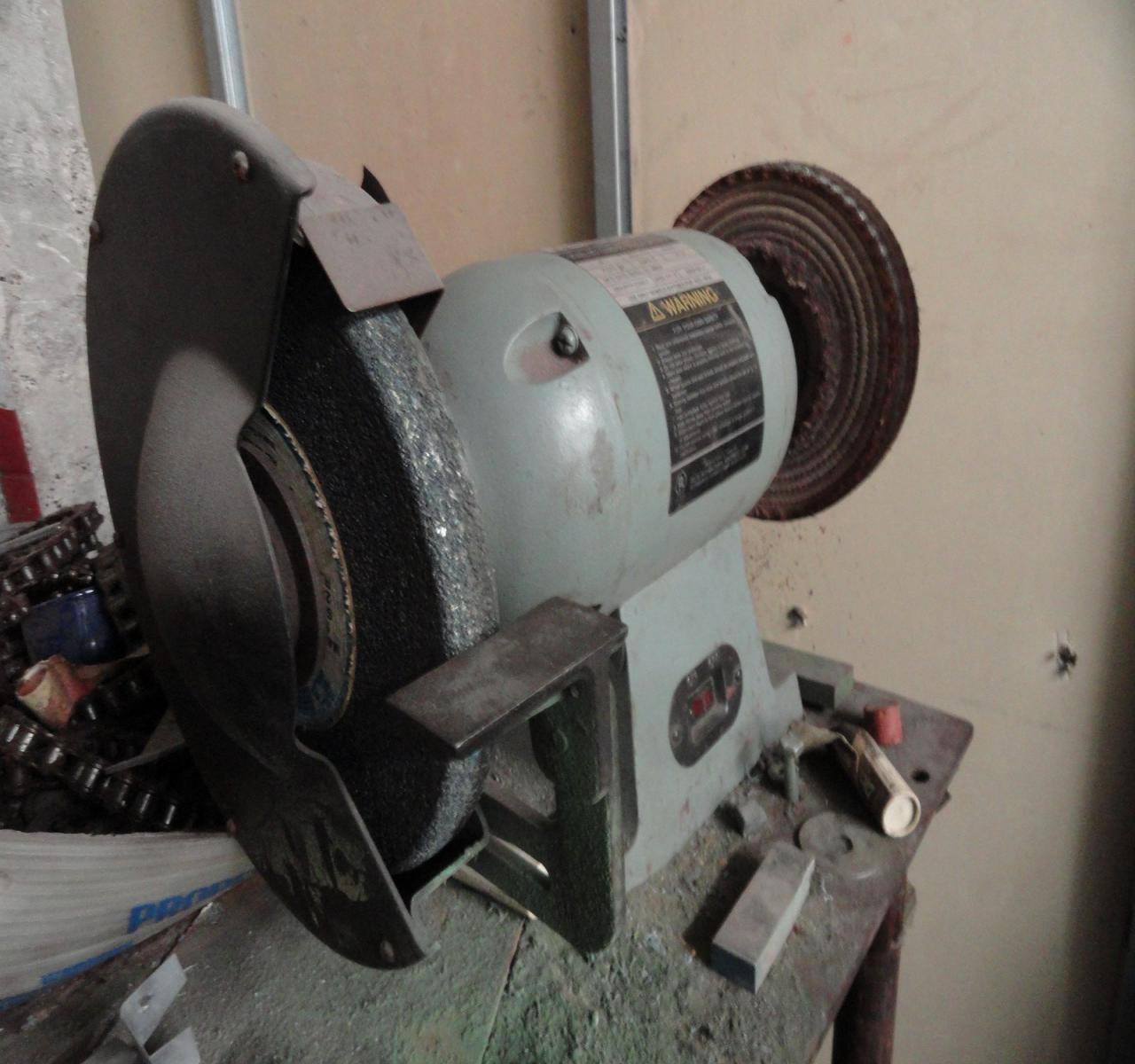 Lot 26 Delta 10 Inch 1hp Bench Grinder Wirebids