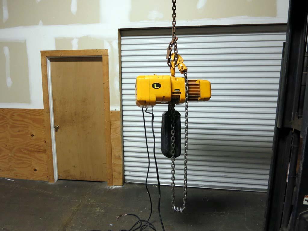 lot 26 harrington 2 ton electric chain hoist 3 phase. Black Bedroom Furniture Sets. Home Design Ideas
