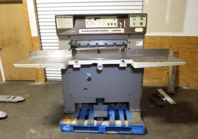a photo of Challenge 305 MPC Fully Programmable Paper Cutter