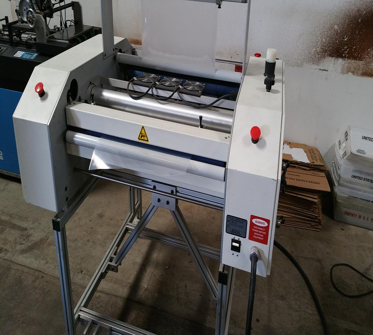Lot 9 Ledco High Speed I30 Thoroughbred Laminator