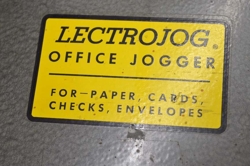 Lot 70 2 Lectrojog 665 Tabletop Paper Jogger Wirebids
