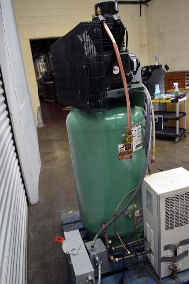 Lot 50 Speedaire 7 5 Hp Single Phase Air Compressor W