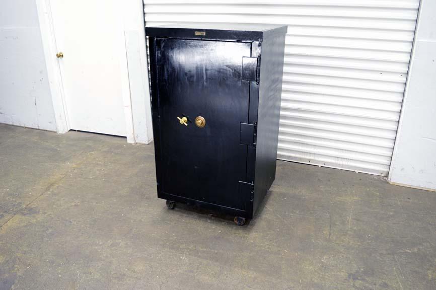 Lot #114: Safe-Cabinet Co. - Safe - WireBids