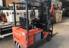 Toyota Electric Forklift with Charger Model 7FBEU15 - Click for Video!