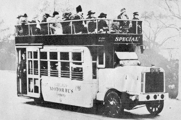 Chicago's first bus, 1917 (CTA photo)