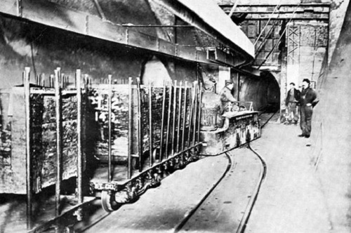 Freight tunnel at Marshall Field's, 1912 (Wikipedia Commons)