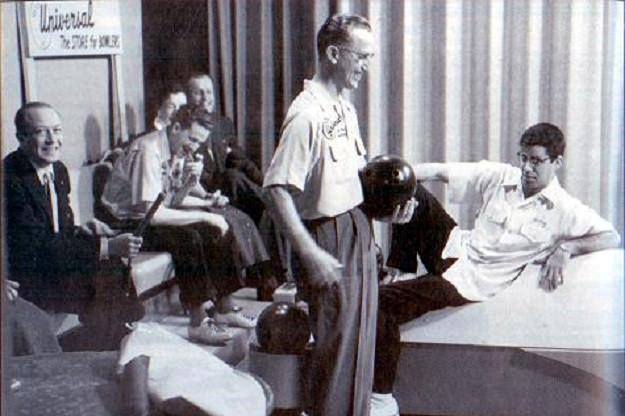 Paul Krumske vs. Jerry Lewis, 1957 (Bowlers Journal photo)