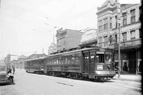 Two-car streetcar train, 1927 (CTA photo)