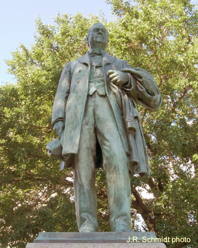 Oglesby statue in Lincoln Park