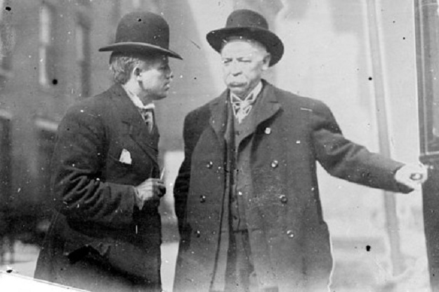 Mike McDonald [right], 1907 (Chicago Daily News)