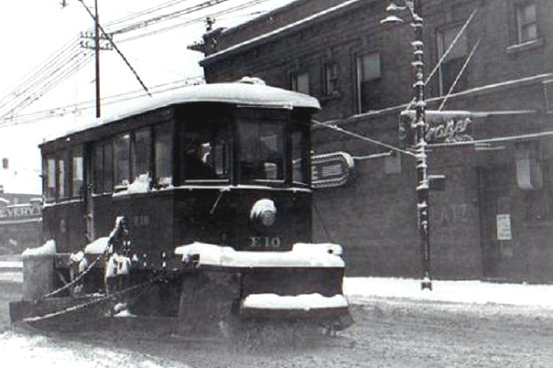 Streetcar company snowplow (author's collection)