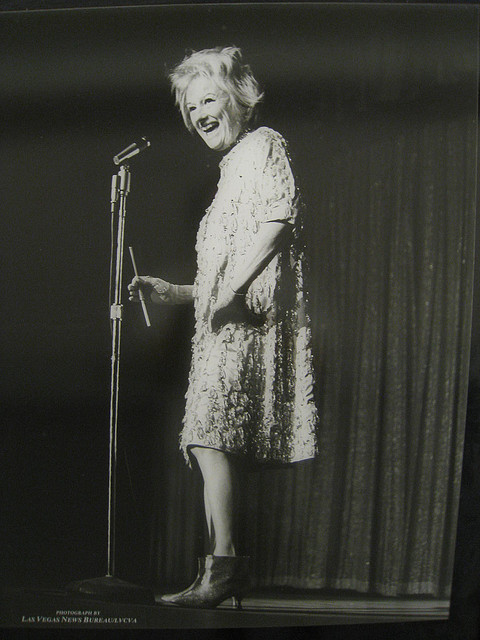 Phyllis Diller at the Flamingo in 1964. (Flickr/Dan Perry)