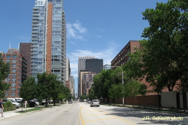 Clark Street at 9th Street-view north
