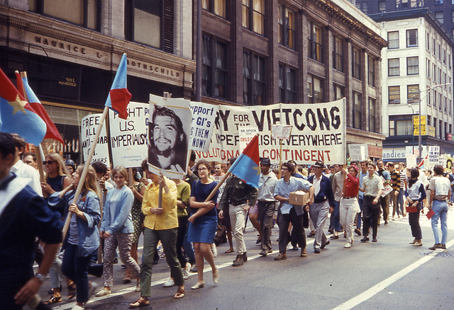 An anti-war march downtown as Chicago was preparing to host the Democratic National Convention in 1968. (Flickr/David Wilson)