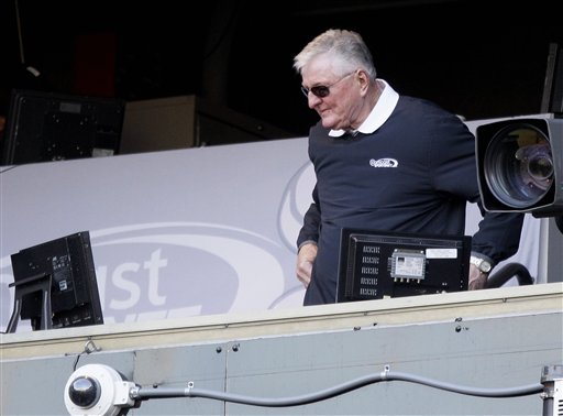 Hawk Harrelson, a better cheerleader than baseball announcer. (AP Photo/Nam Y. Huh)