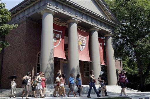 A cheating investigation at Harvard University calls us to ask why so many students cheat. (AP Photo/Elise Amendola)