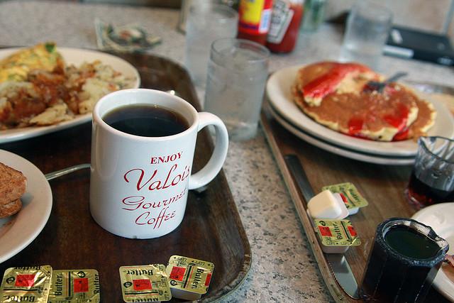 Valois Cafeteria in Hyde Park, Chicago (Flickr/Angela Radulescu)