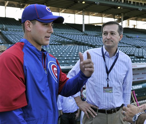 Rizzo meets with Cub owner Tom Ricketts at Wrigley beofre first game as a Cub. (AP Photo/Jim Prisching)