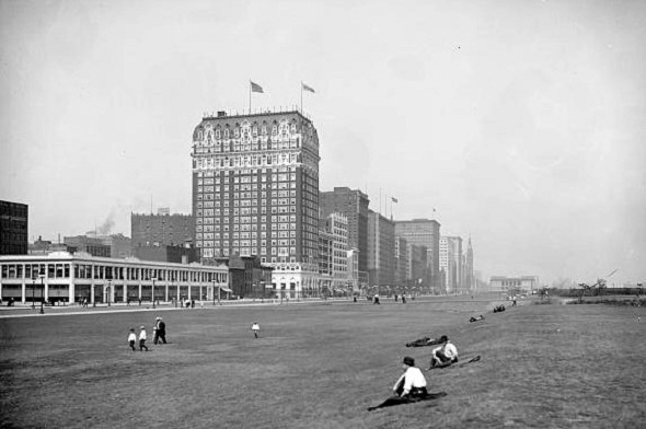 The Blackstone Hotel and Grant Park, about 1920 (Library of Congress)
