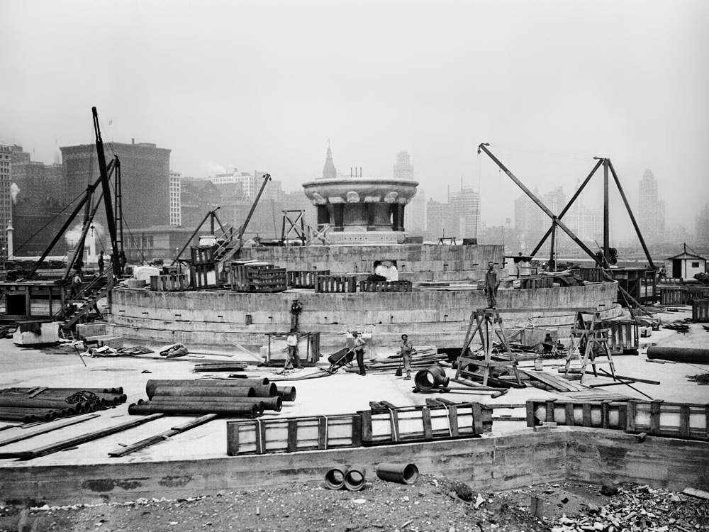 Buckingham Fountain in construction before its opening in 1927. (Photo courtesy Chicago Park District)