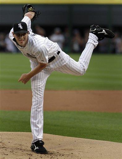 White Sox pitcher Chris Sale posted ten wins in the first half of the season. (AP/John Smierciak)